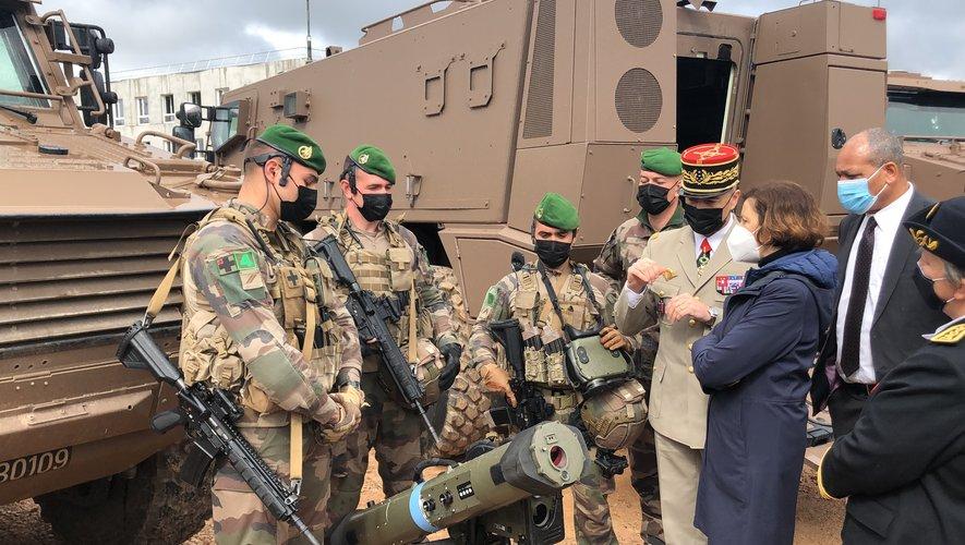 Florence Parly, ministre des Armées a visité le camp du Larzac vendredi matin.