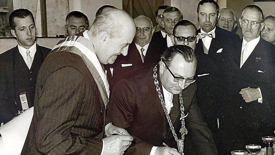 La signature du 1er mai 1970 entre Boscary Monsservin et Theodor Mathieu.