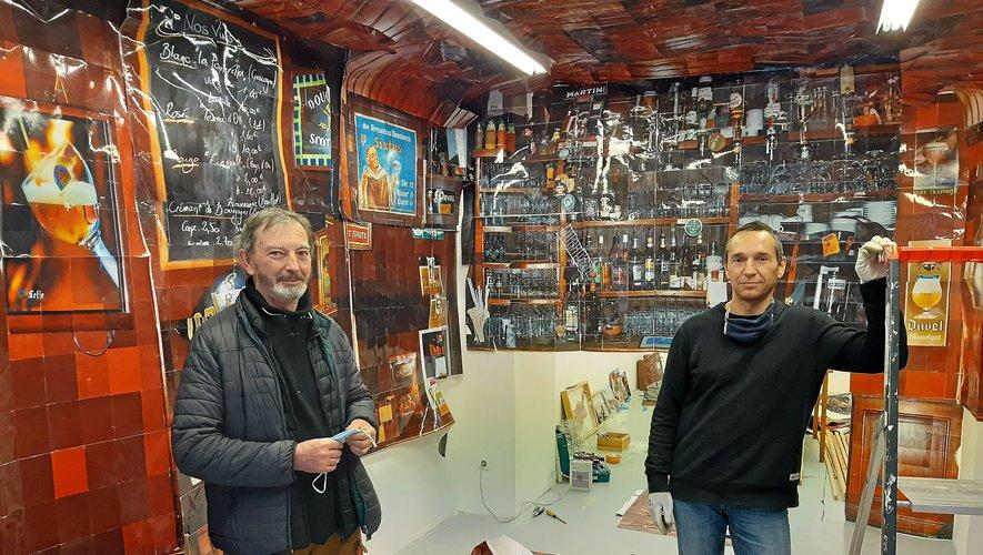 L'exposition de Cyril Hatt (à droite) laissera place aux œuvres de trois artistes du collectif, dont Jean-Luc Fau (à gauche).