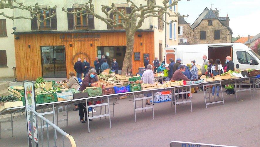 Plus de marchands, plus d'acheteurs pour une plus grande animation du village.