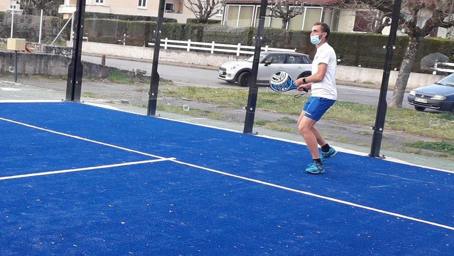 Le coach Johan Brun, aussi à l'aise au tennis qu'au padel