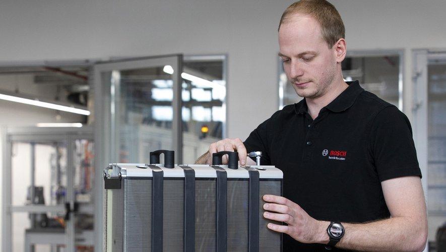 Les piles à combustibles produites à Rodez vont prochainement subir leurs premiers essais sur route.Photo Bosch
