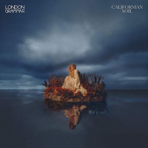 """""""Californian Soil"""" est le troisième album studio du groupe britannique London Grammar."""