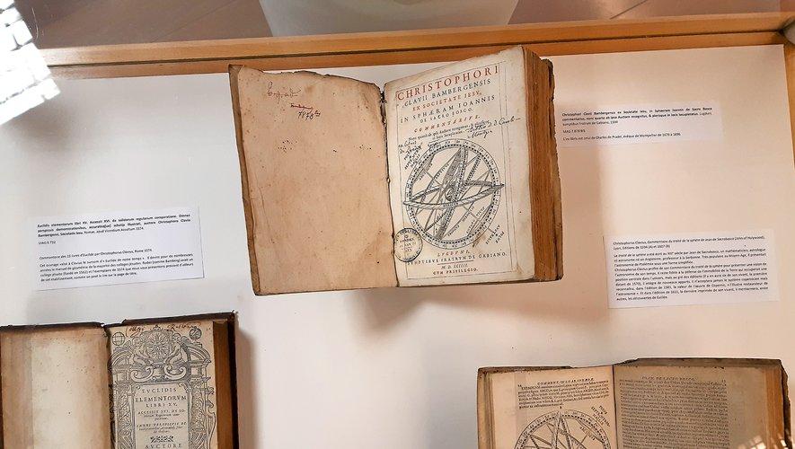 Trois ouvrages de Chritophorus Clavius.