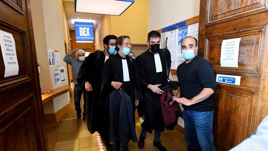 Les avocats toulousains  Julien Brel, Benjamin Francos et Sébastien Delorge à leur arrivée à l'audience.