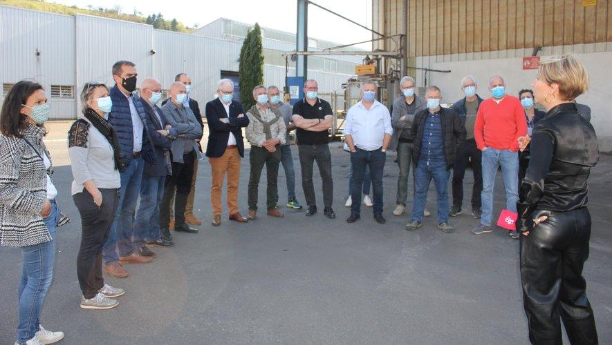 Une partie du Tous Ensemble lors d'un point avec les représentants du personnel de SAM.