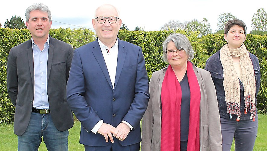 Christian Tieulié et Michèle Buessinger entourés de Davy Lagrange et Valérie Quintard.