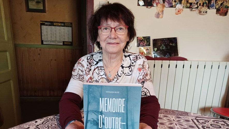 """Viviann Ruiz et son opus """"Mémoire d'Outre-Tombes""""."""