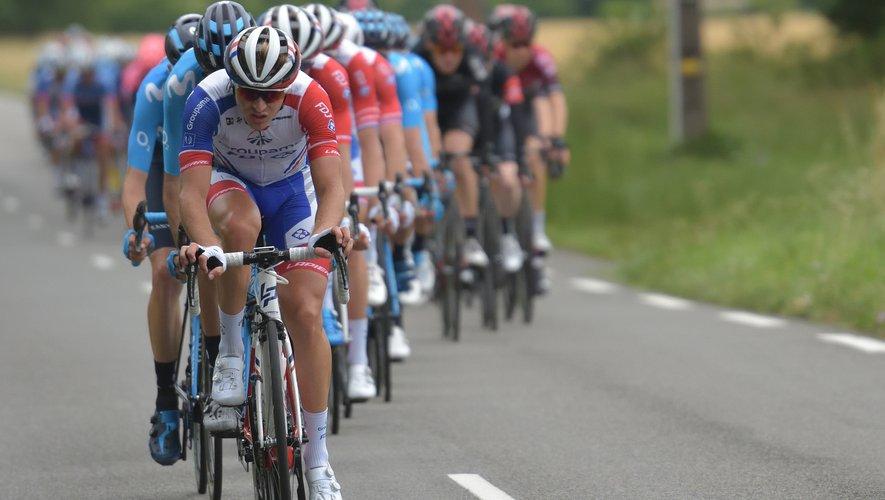Le peloton de l'édition 2021 de la Route d'Occitanie s'élancera de Villefranche-de-Rouergue lors de la deuxième étape.