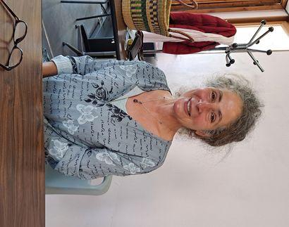 Après une vie musicale riche d'événements, Robyn s'est retirée à Salles-Curan