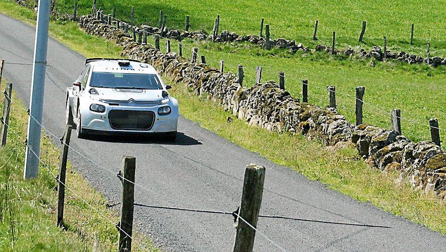 Citroën a passé une nouvelle journée dans l'Aveyron, jeudi, pour développer la C3 rallye 2.