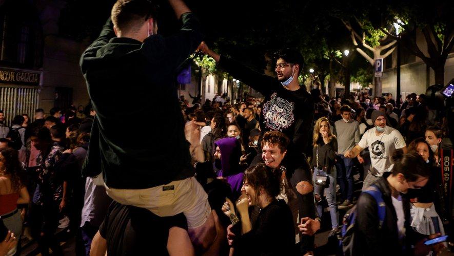 Fin de l'état d'alerte et du couvre-feu à Barcelone.