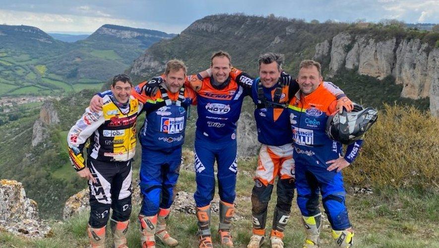Le club des cinq Aveyronnais s'était réuni en stage avant son départ pour l'Andalousie. De gauche à droite: Minaudier, Tressens, Vayssade, Rey et Costes.
