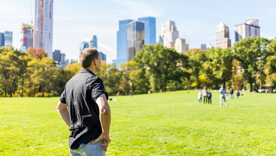 Une nouvelle étude démontre notamment comment  les espaces verts installés à proximité du lieu de vie des citadins peuvent inciter ces derniers à se promener, faire du jogging, rouler à vélo ou encore jardiner.
