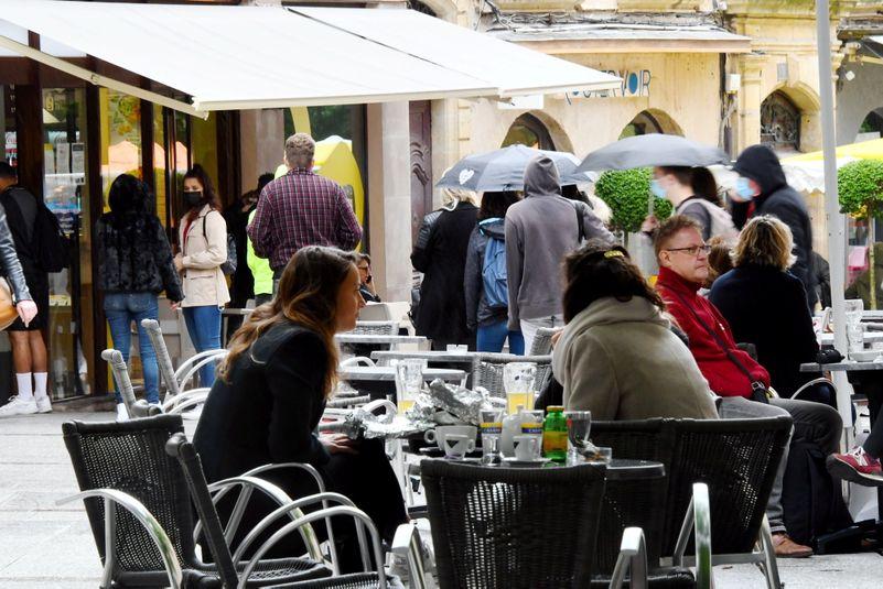 Les terrasses des cafés ont retrouvé leurs clients, ce mercredi 19  mai, jour de déconfinement.