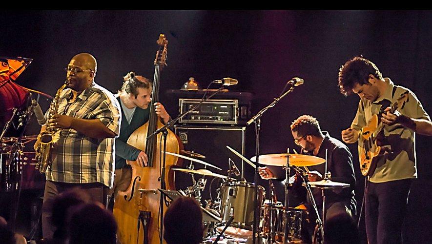 Le contrebassiste Pascal Niggenkemper multiplie les créationset les expériences. Toujours à l'écoute, il se nourrit des musiques des autres, avec une préférence pour le jazz.