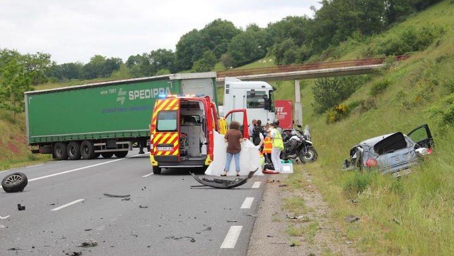 En dépit des efforts des secours, l'un des conducteurs n'a pas pu être ranimé.