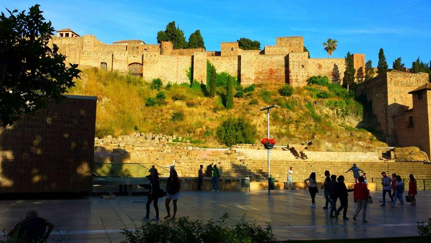 """En Andalousie (ici Màlaga), les """"loisirs nocturnes"""" sont ouverts jusqu'à 2 heures du matin."""