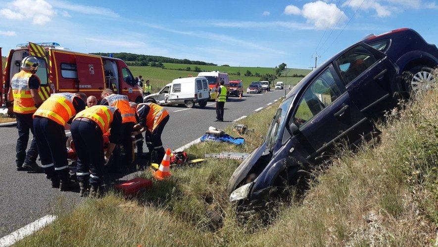 Onze sapeurs-pompiers ont été mobilisés sur les lieux de l'accident.