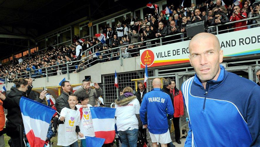Zinedine Zidane, en 2013, lors d'une match avec Frrance 98