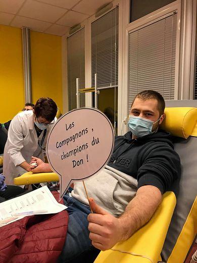 Les Compagnons du devoir remportent le challenge de la solidarité du don du sang