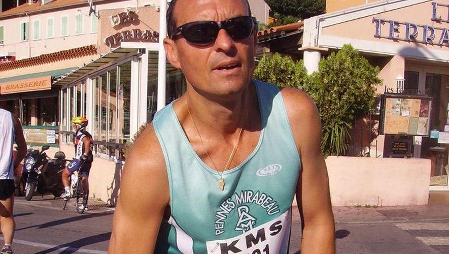 Patrick Dany est de passage ce jeudi en Aveyron, 37km en courant de Séverac à Decazeville.