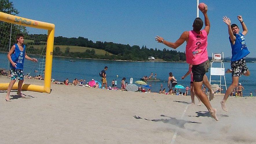Cet été les jeux de plein air reprendront sur les plages du Lévézou.