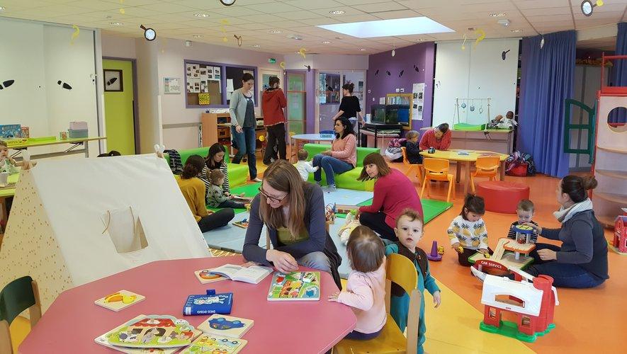 Parents et enfants sont accueillis en accès libre à la LudO'doudou.