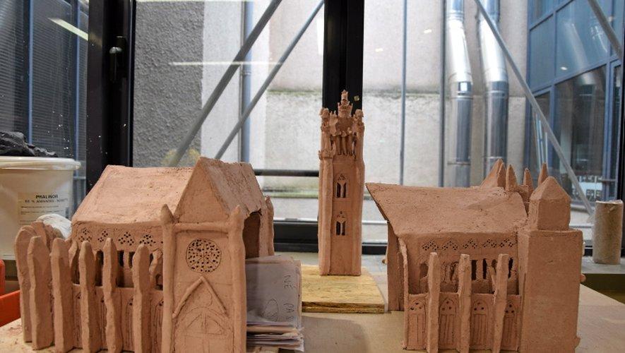 Désormais cuite et assemblée, la cathédrale n'attend plus que des leds pour être exposée.