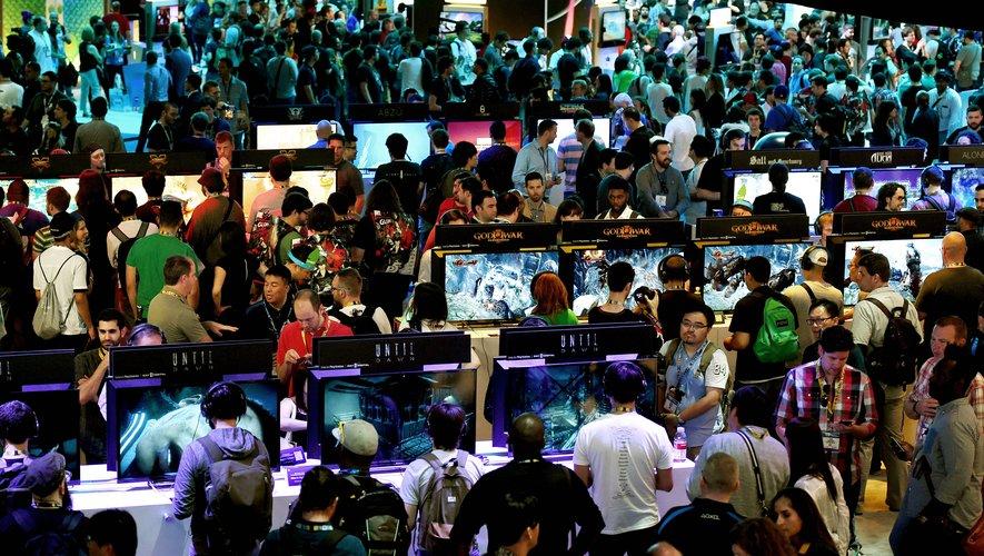 E3 en 2015; Electronic Entertainment Expo, qui transforme habituellement le Centre de convention de Los Angeles en un paradis pour les adeptes de jeux virtuels, a été annulé en 2020 à cause de la propagation du Covid-19 et se déroule cette année uni