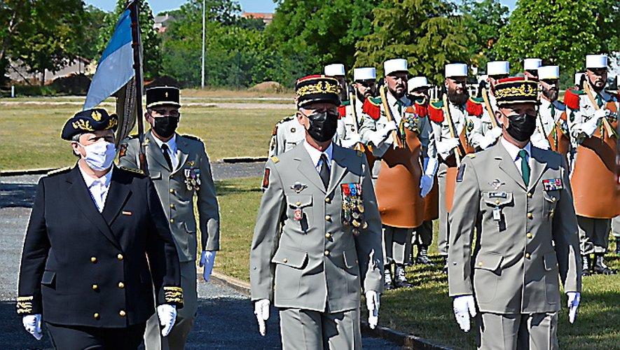 La préfète de l'Aveyron Valérie Michel-Moreau a accompagné le général Béchon et le général Lardet lors de la cérémonie de la commémoration de la percée de Bir Hakeim.