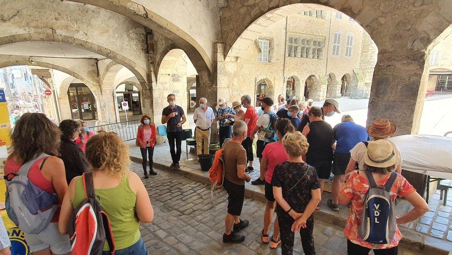 Les départs pour ces deux randonnées ont eu lieu tout l'après-midi place Notre-Dame.