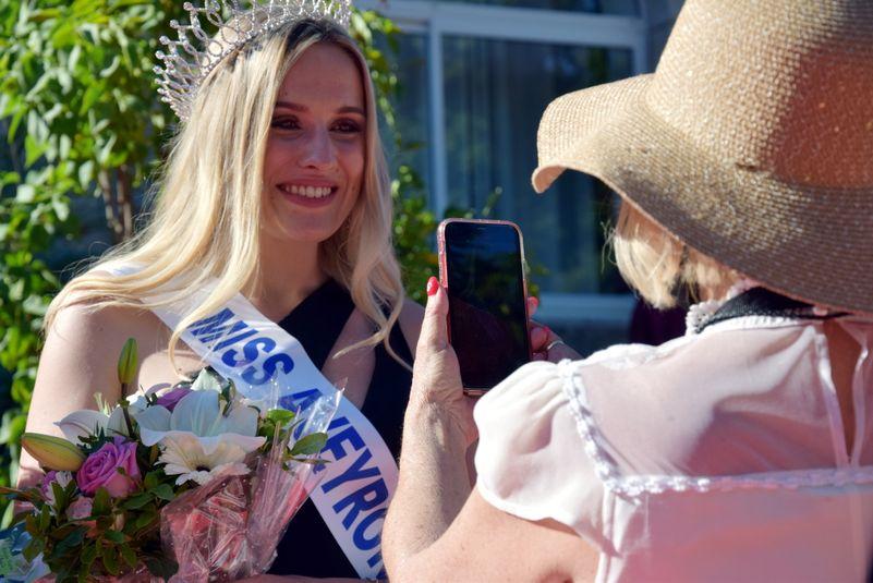 Premières photos et selfies pour Miss Aveyron 2021.