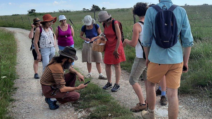 Une partie du groupe ayant participé à la balade botanique de samedi  après-midi.