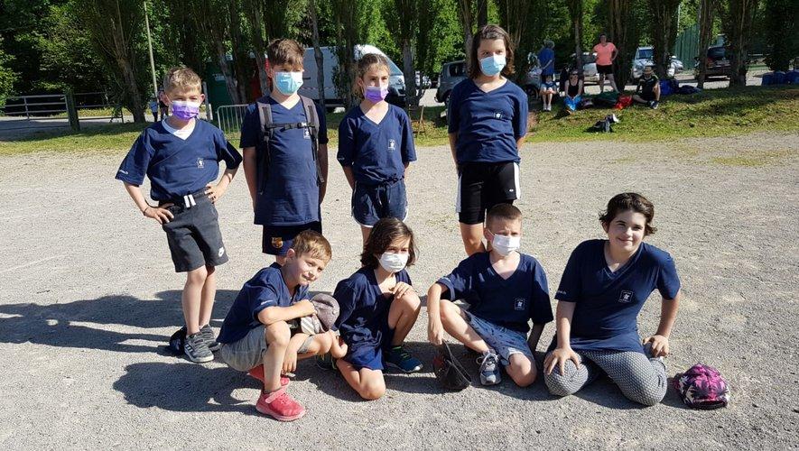 Les champions de quilles sur le terrain de Marcillac après le concours.