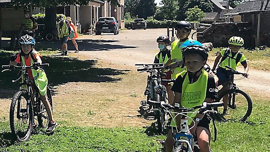 Les écoliers se sont relayés dans divers ateliers autour du vélo.