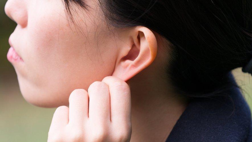 En chine, la Gen Z passe par la chirurgie esthétique pour avoir des oreilles d'elfe