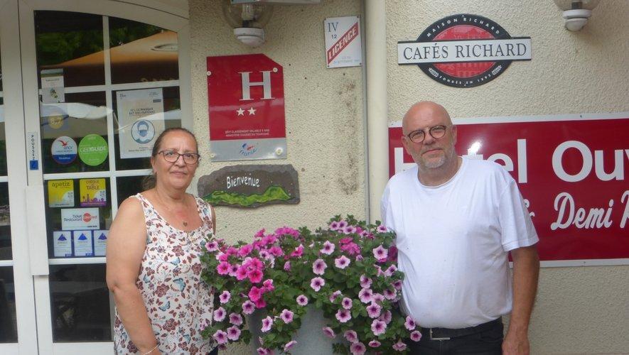 Christine et Olivier prêts pour régaler le clients.