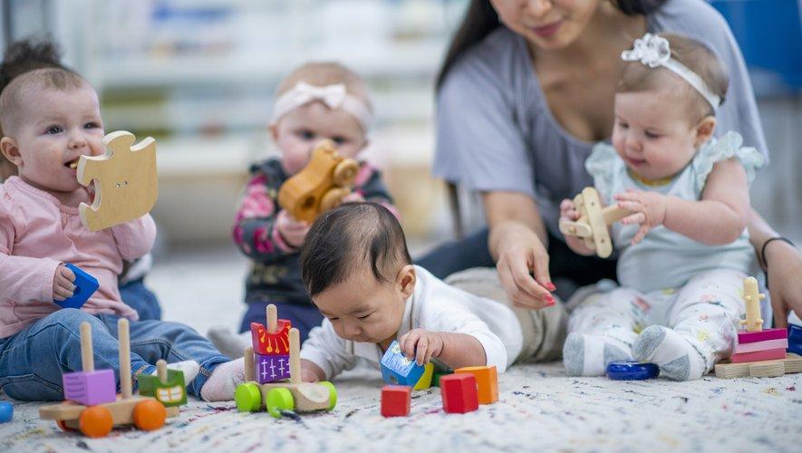 L'Unicef dresse un classement des pays de l'OCDE où l'on trouve les meilleures conditions pour la garde d'enfant. La France figure à la 19e place du classement, soit juste en dessous de la moyenne.