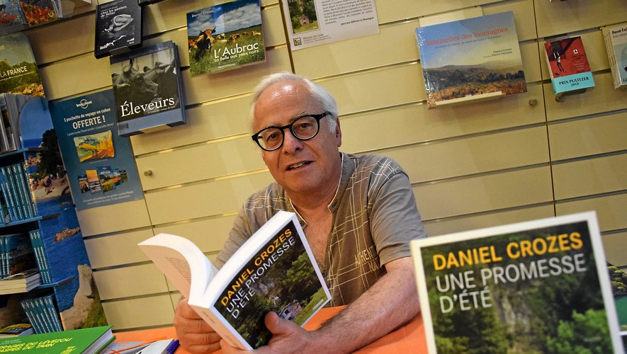Auteur d'une soixantaine de romans, Daniel Crozes s'est livré avec bonheur hier au jeu des échanges et dédicaces.