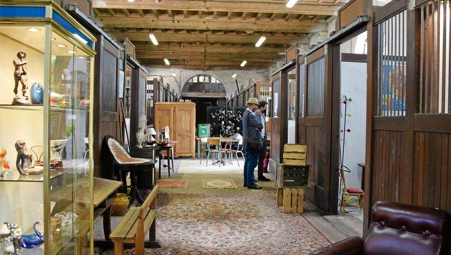 Le showroom de l'écurie laisse les visiteurs dans un lieu jusqu'à présent fermé de l'ancien haras.