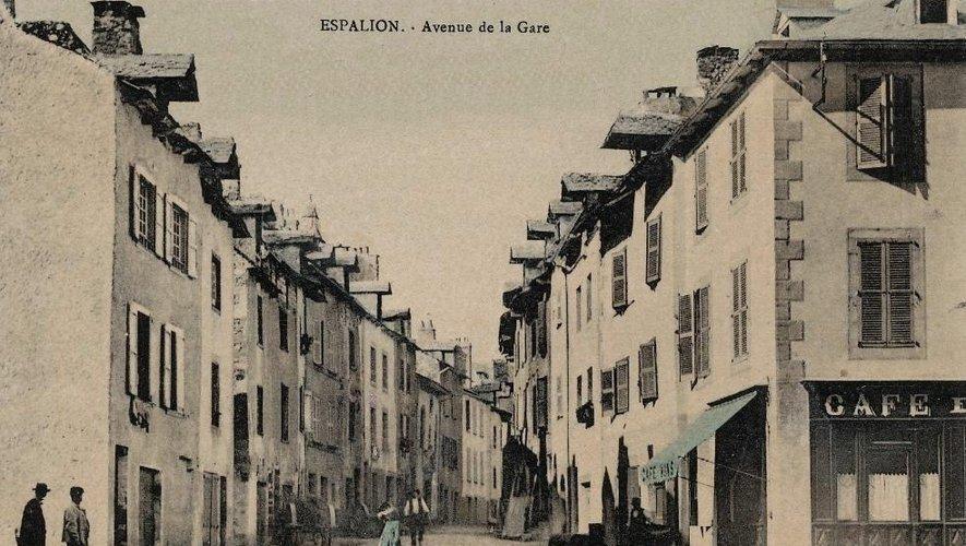 La création de l'avenue de la Gare a considérablement modifié la vie de la cité.