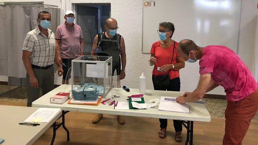 Les bureaux de vote attendent les électeurs, comme ici à Laissac.