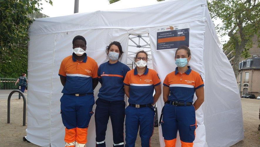 Une équipe de la Protection civile était en place sur le parking de la salle des fêtes de Rodez alors que se tenait le premier tour des élections départementales et régionales.