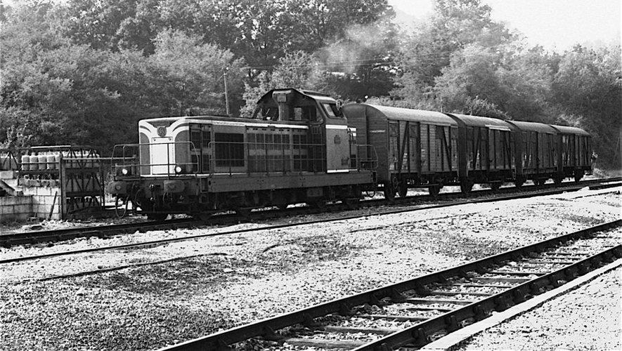 L'arrivée du train en gare d'Espalion, un évènement !
