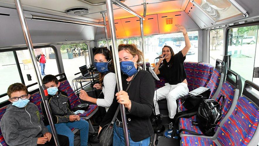 Dans le bus l'heure était à la fête, pas sur les terrasses !