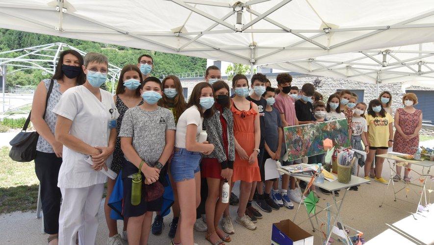 Les initiateurs du projet pour l'Ehpad et les élèves
