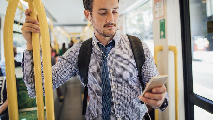 Passer du temps sur un écran contribuerait à développer un sentiment d'anxiété, selon une étude.