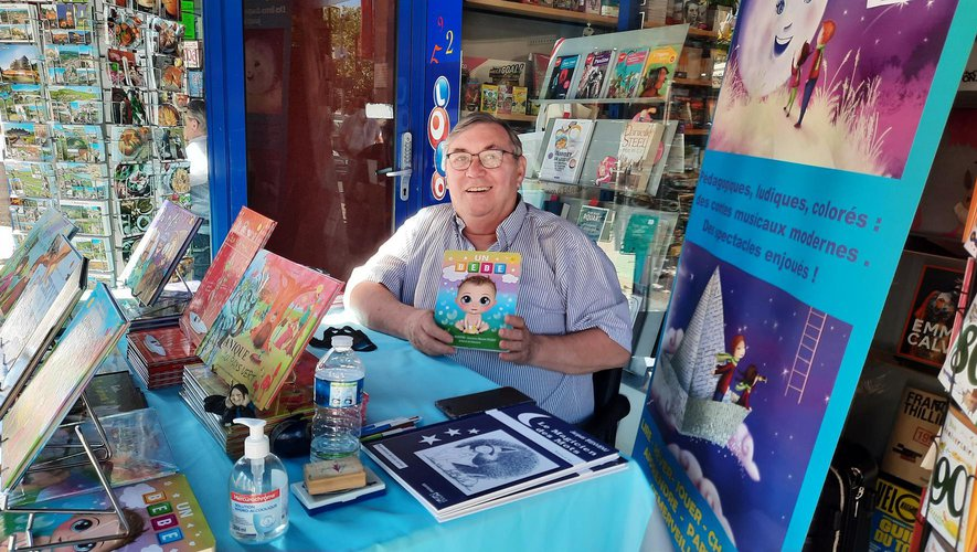 Jacques Bienvenu présente son dernier livre.