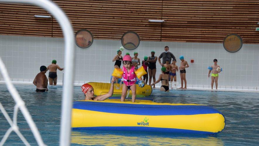 Le parcours sur la structure n'a pas été facile pour les petits nageurs.